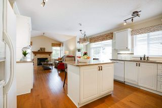 """Photo 9: 19 8555 209 Street in Langley: Walnut Grove Townhouse for sale in """"AUTUMNWOOD"""" : MLS®# R2575003"""