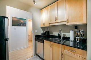 """Photo 9: 101 1396 BURNABY Street in Vancouver: West End VW Condo for sale in """"THE BRAMBLEBERRY"""" (Vancouver West)  : MLS®# R2340187"""