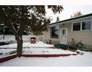 Photo 18: 7507 HUNTRIDGE Crescent NE in CALGARY: Huntington Hills Residential Detached Single Family for sale (Calgary)  : MLS®# C3398976
