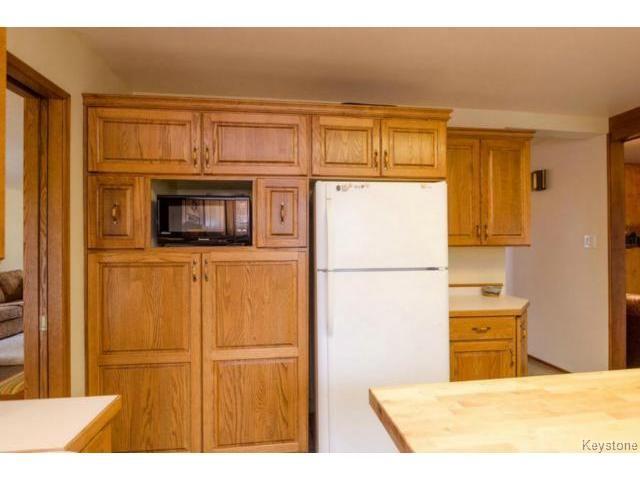 Photo 13: Photos:  in ESTPAUL: Birdshill Area Residential for sale (North East Winnipeg)  : MLS®# 1409100