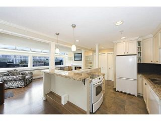 """Photo 11: A2 1100 W 6TH Avenue in Vancouver: Fairview VW Townhouse for sale in """"FAIRVIEW PLACE"""" (Vancouver West)  : MLS®# V1094784"""