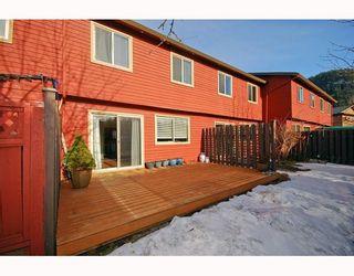 """Photo 10: 21 41450 GOVERNMENT Road: Brackendale Townhouse for sale in """"EAGLEVIEW"""" (Squamish)  : MLS®# V752564"""