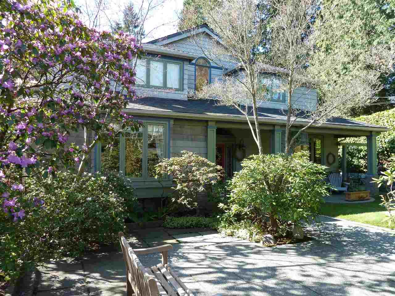 Main Photo: 1295 SINCLAIR Street in West Vancouver: Ambleside House for sale : MLS®# R2054349