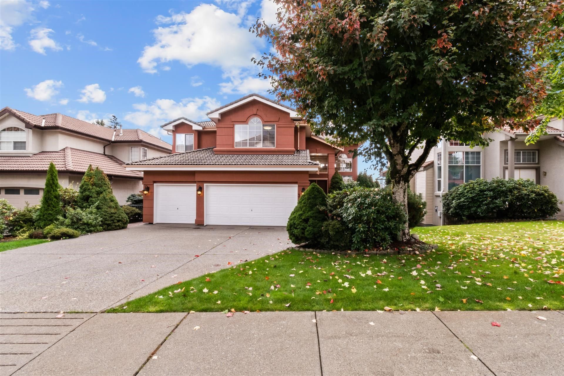 Main Photo: 3080 WREN Place in Coquitlam: Westwood Plateau House for sale : MLS®# R2622093