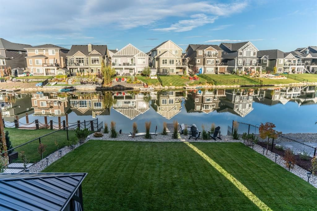 Main Photo: 373 Bayside Crescent SW: Airdrie Detached for sale : MLS®# A1151568