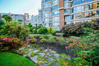 """Photo 33: 108 1450 PENNYFARTHING Drive in Vancouver: False Creek Condo for sale in """"HARBOUR COVE"""" (Vancouver West)  : MLS®# R2459679"""
