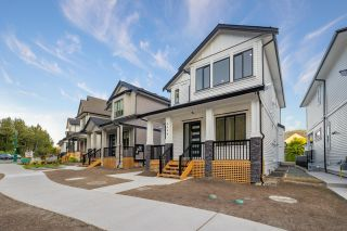 """Photo 2: 4446 STEPHEN LEACOCK Drive in Abbotsford: Abbotsford East House for sale in """"Auguston"""" : MLS®# R2613375"""