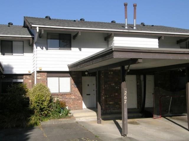 "Main Photo: 267 7493 140TH Street in Surrey: East Newton Townhouse for sale in ""GLENCOE ESTATES"" : MLS®# F1325243"