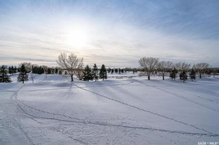 Photo 3: 204 404 Cartwright Street in Saskatoon: The Willows Residential for sale : MLS®# SK836125
