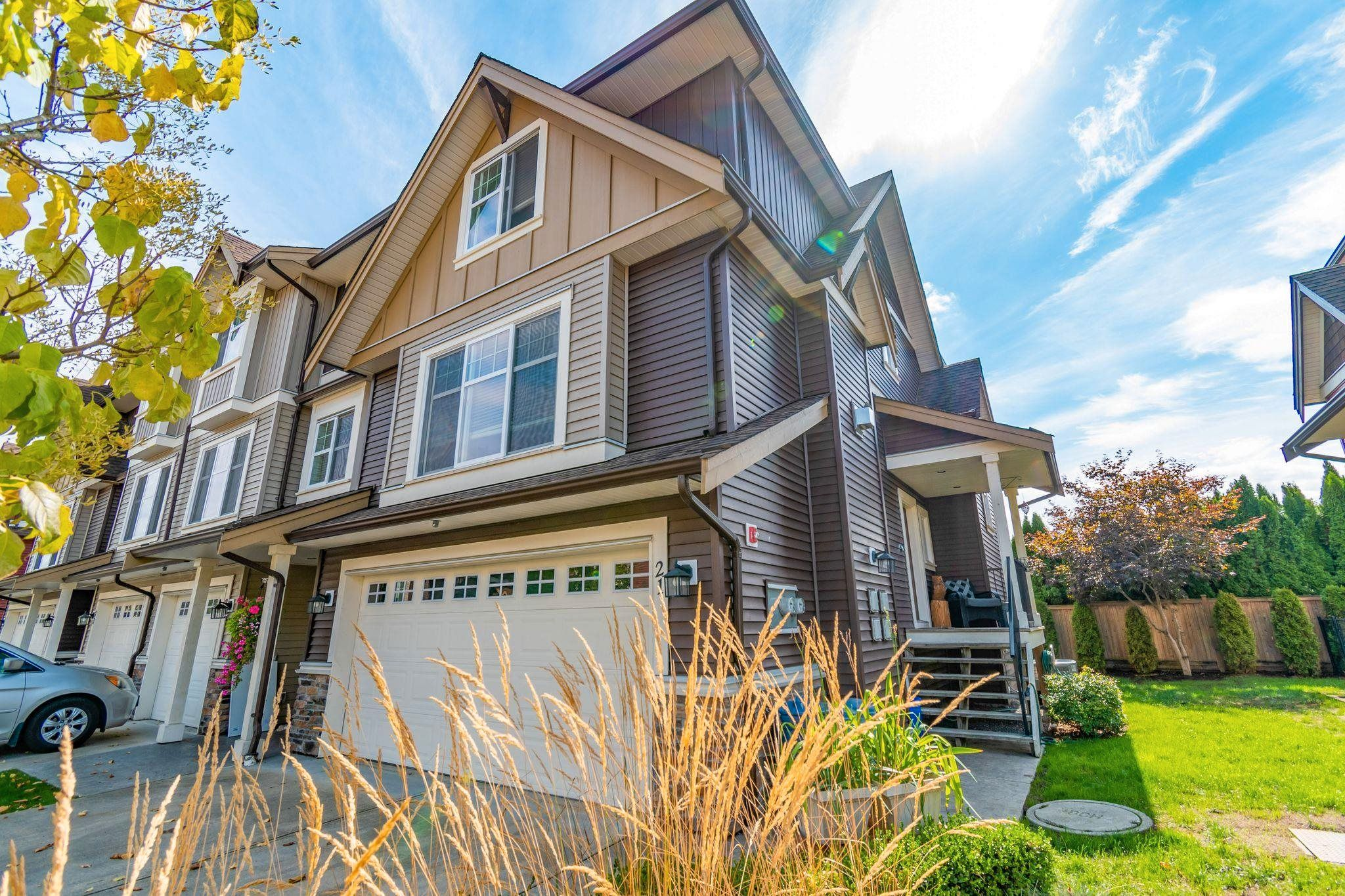 """Main Photo: 21 9750 MCNAUGHT Road in Chilliwack: Chilliwack E Young-Yale Townhouse for sale in """"Palisade Place"""" : MLS®# R2617726"""
