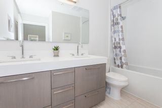 """Photo 8: PH3 5555 DUNBAR Street in Vancouver: Dunbar Condo for sale in """"5555 Dunbar"""" (Vancouver West)  : MLS®# R2081616"""