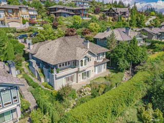 Photo 3: 2482 HUDSON COURT in West Vancouver: Whitby Estates House for sale : MLS®# R2539620