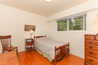 """Photo 10: 6882 YEOVIL Place in Burnaby: Montecito House for sale in """"Montecito"""" (Burnaby North)  : MLS®# V1119163"""