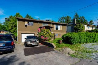 Photo 3: 12484 COLEMORE Street in Maple Ridge: West Central House for sale : MLS®# R2587097