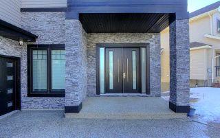 Photo 2: 1137 Adamson Drive in Edmonton: Zone 55 House for sale : MLS®# E4230333