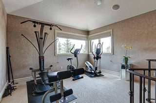 Photo 27: 251 Slopeview Drive SW in Calgary: Springbank Hill Detached for sale : MLS®# A1132385