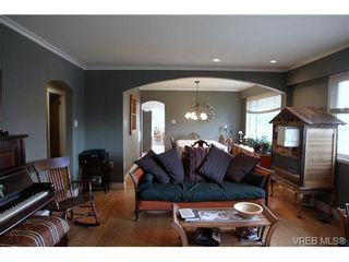 Photo 1: 5010 Santa Clara Ave in VICTORIA: SE Cordova Bay House for sale (Saanich East)  : MLS®# 683806