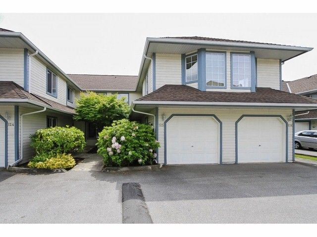 "Main Photo: 125 9978 151 Street in Surrey: Guildford Townhouse for sale in ""Sussex House"" (North Surrey)  : MLS®# F1414106"