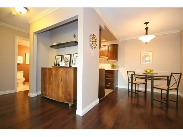 """Photo 4: Photos: 105 2150 BRUNSWICK Street in Vancouver: Mount Pleasant VE Condo for sale in """"MOUNT PLEASANT PLACE"""" (Vancouver East)  : MLS®# V884597"""