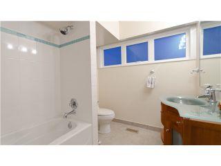 Photo 8: 99 BONNYMUIR DR in West Vancouver: Glenmore House for sale : MLS®# V931888