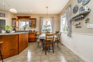 """Photo 9: 2837 BOXCAR Street in Abbotsford: Aberdeen House for sale in """"West Abby Station"""" : MLS®# R2448925"""