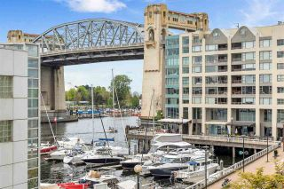 """Photo 3: 203 1625 HORNBY Street in Vancouver: Yaletown Condo for sale in """"SEAWALK NORTH"""" (Vancouver West)  : MLS®# R2577394"""