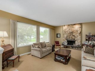 Photo 2: 691 COLINET Street in Coquitlam: Central Coquitlam House for sale : MLS®# R2104766