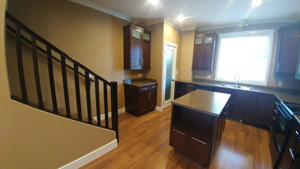 Photo 5: Photos: 7-5805 Sappers Way in Chilliwack: Garrison Townhouse for rent