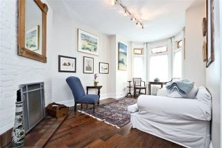 Photo 4: 470 Wellesley St, Toronto, Ontario M4X 1H9 in Toronto: Semi-Detached for sale (Cabbagetown-South St. James Town)  : MLS®# C3541128