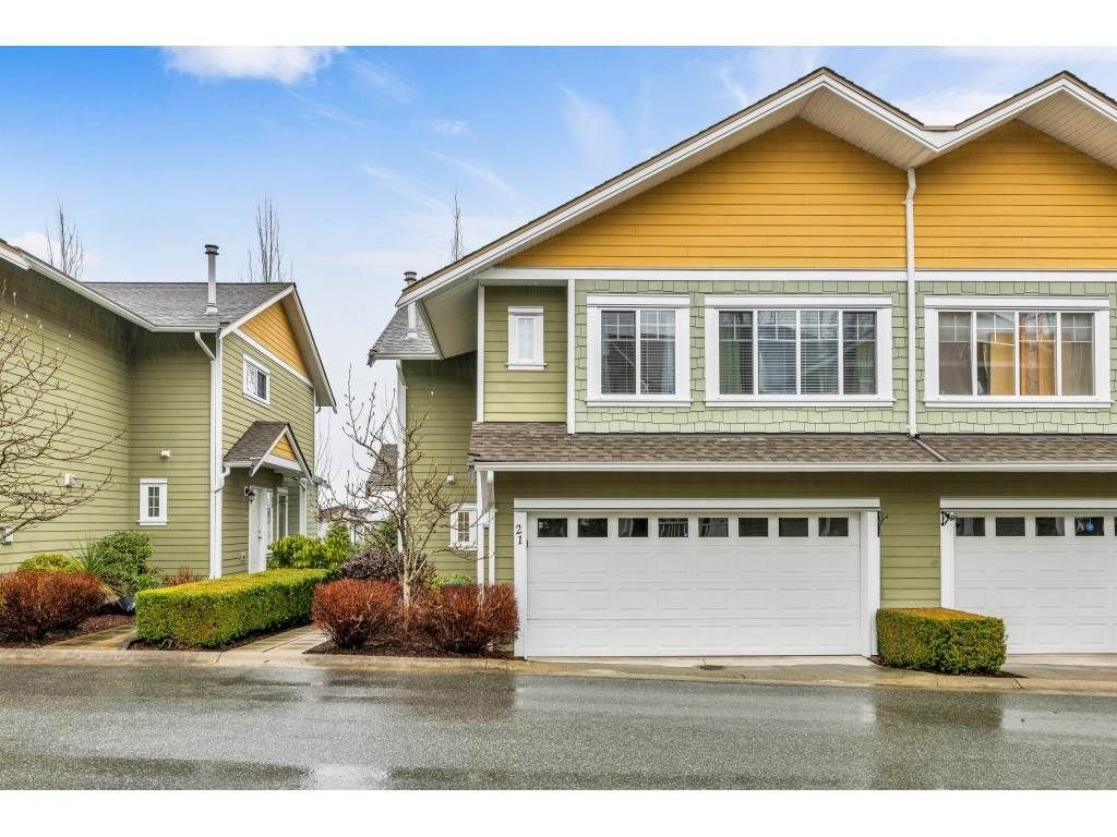 "Main Photo: 21 6110 138 Street in Surrey: Sullivan Station Townhouse for sale in ""SENECA WOODS"" : MLS®# R2436606"