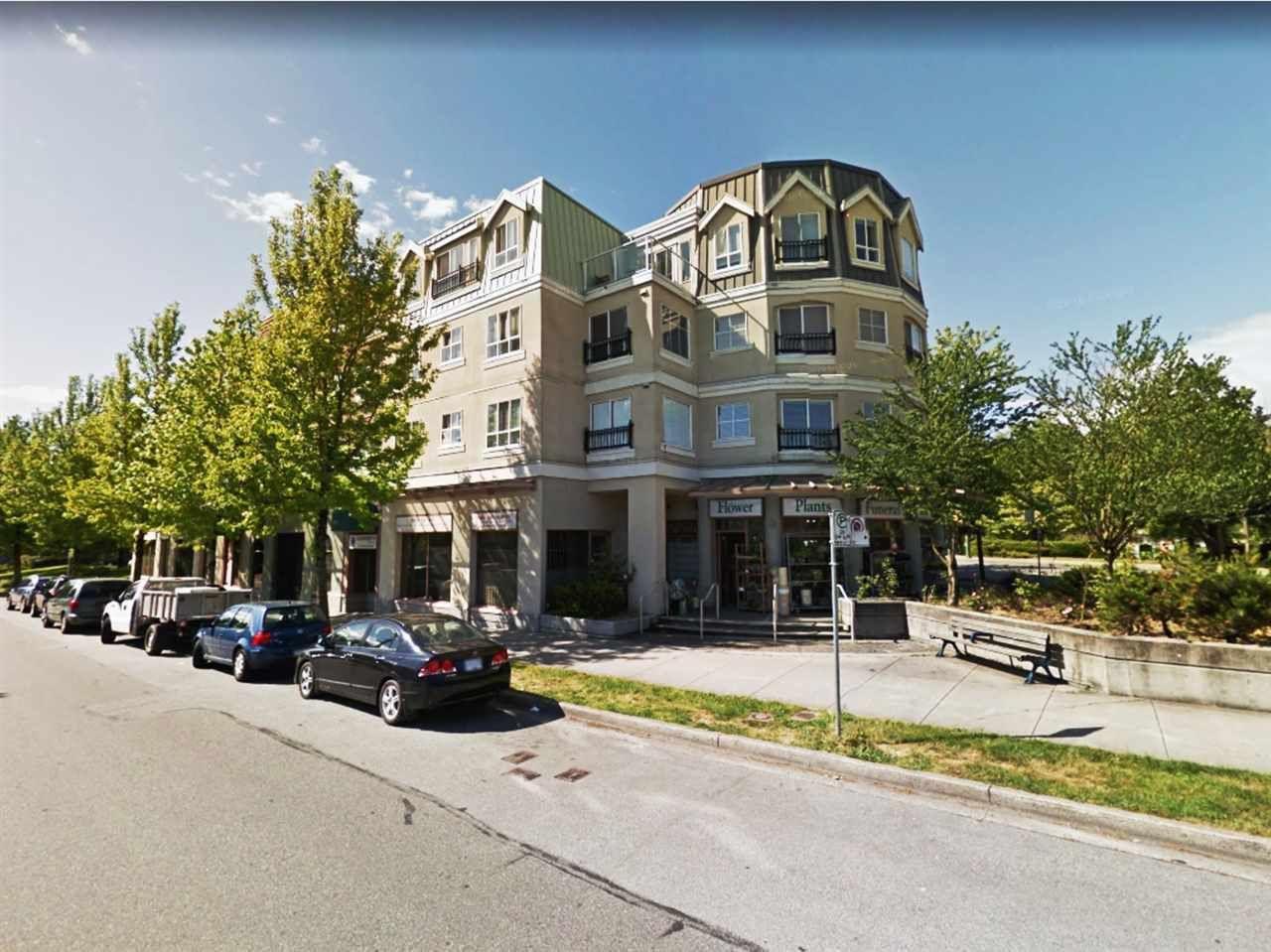 "Main Photo: E313 515 E 15TH Avenue in Vancouver: Mount Pleasant VE Condo for sale in ""HARVARD PLACE"" (Vancouver East)  : MLS®# R2372381"