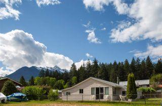 Photo 4: 10008 KOOCHA Road in Pemberton: D'Arcy House for sale : MLS®# R2580009