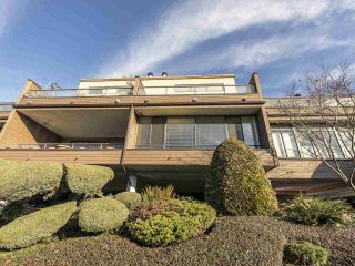 "Photo 3: 17 220 E 4TH Street in North Vancouver: Lower Lonsdale Townhouse for sale in ""Custer Court"" : MLS®# R2538905"