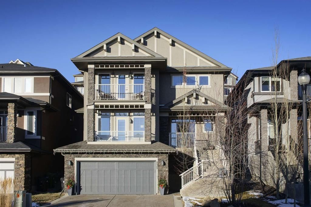 Main Photo: 131 SPRINGBLUFF Boulevard SW in Calgary: Springbank Hill Detached for sale : MLS®# A1066910