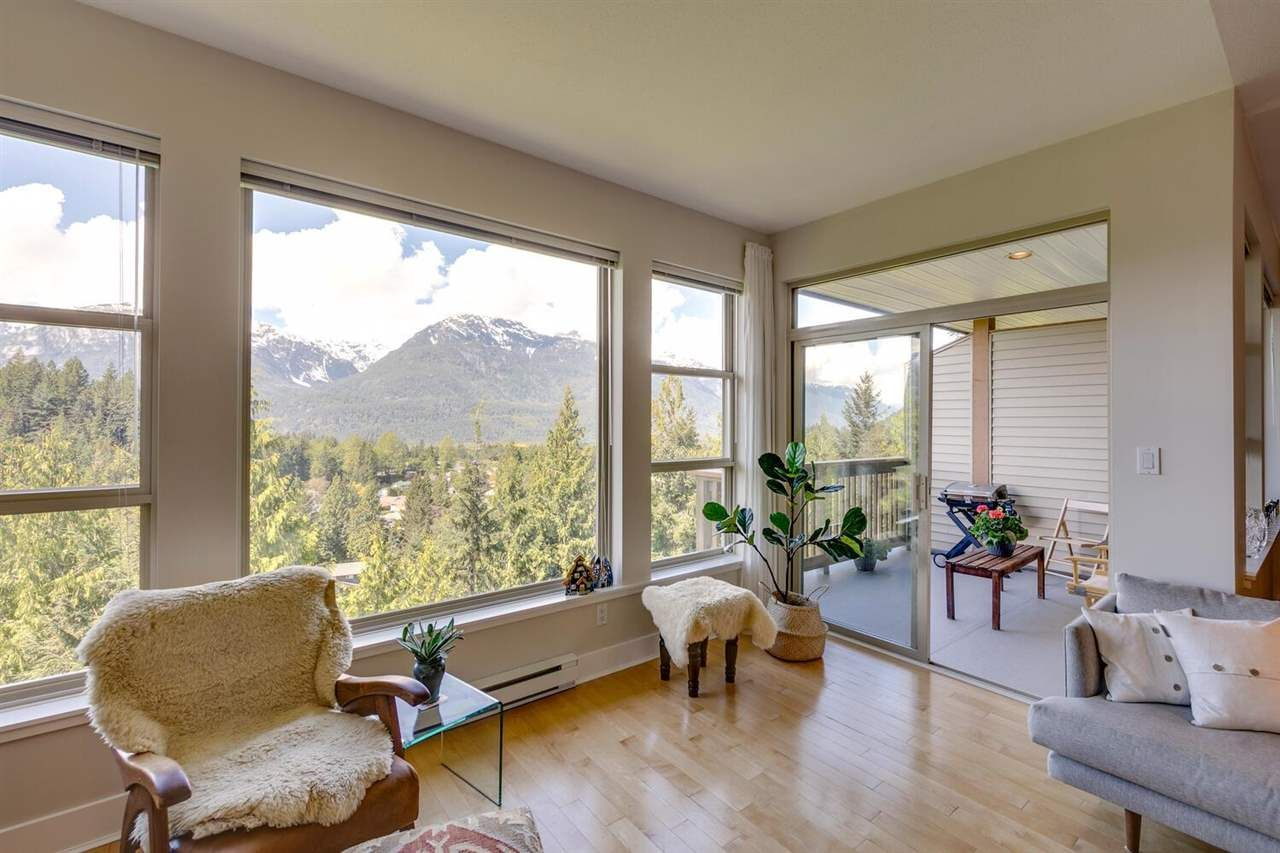 "Main Photo: 11 1024 GLACIER VIEW Drive in Squamish: Garibaldi Highlands Townhouse for sale in ""SEASONSVIEW"" : MLS®# R2574821"