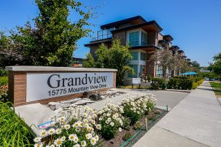 """Photo 1: 3 15775 MOUNTAIN VIEW Drive in Surrey: Grandview Surrey Townhouse for sale in """"GRANDVIEW AT SOUTHRIDGE CLUB"""" (South Surrey White Rock)  : MLS®# R2602711"""