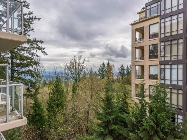 """Photo 14: Photos: 401 9298 UNIVERSITY Crescent in Burnaby: Simon Fraser Univer. Condo for sale in """"NOVO ONE"""" (Burnaby North)  : MLS®# R2120028"""
