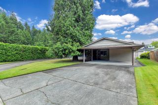 """Photo 3: 2525 CAMERON Crescent in Abbotsford: Abbotsford East House for sale in """"macmillan"""" : MLS®# R2605732"""