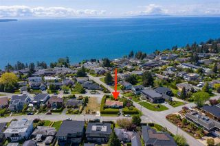 """Photo 1: 14418 BLACKBURN Crescent: White Rock House for sale in """"West Side White Rock"""" (South Surrey White Rock)  : MLS®# R2576581"""