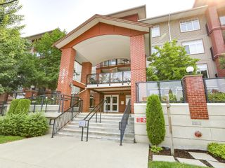 Photo 2: 103 5516 198 Street in Langley: Langley City Condo for sale : MLS®# R2194911