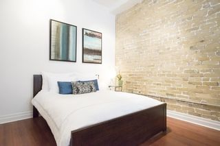Photo 9: 323 Queen  St E Unit #2A in Toronto: Moss Park Condo for sale (Toronto C08)  : MLS®# C3710307