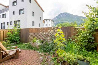 """Photo 3: 18 39752 GOVERNMENT Road in Squamish: Northyards Townhouse for sale in """"MOUNTAINVIEW MANR"""" : MLS®# R2593679"""