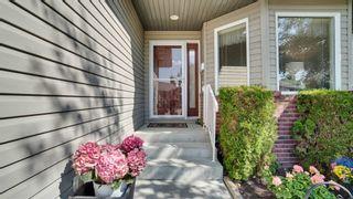 Photo 2: 28 18 Charlton Way: Sherwood Park House Half Duplex for sale : MLS®# E4251838