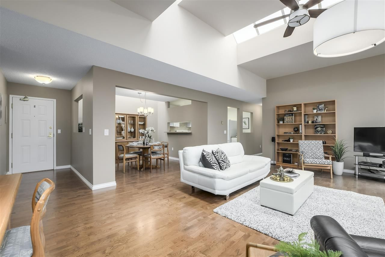 """Photo 2: Photos: 304 7580 MINORU Boulevard in Richmond: Brighouse South Condo for sale in """"CARMEL POINT"""" : MLS®# R2369650"""