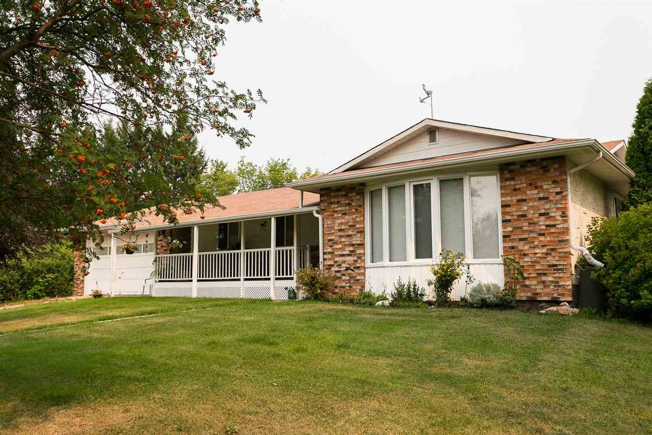 Main Photo: 61 53221 RR 223 (61 Queensdale Pl. S): Rural Strathcona County House for sale : MLS®# E4243387