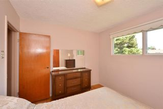 Photo 32: 27 Braden Crescent NW in Calgary: Brentwood House for sale : MLS®# C4191763