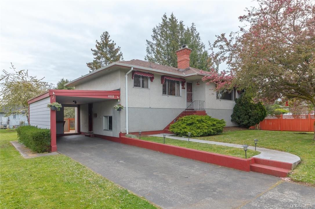 Main Photo: 4011 Century Rd in Saanich: SE Lake Hill House for sale (Saanich East)  : MLS®# 838376