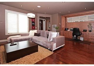 Photo 4: 611 54 Avenue SW in Calgary: Windsor Park Detached for sale : MLS®# A1082422