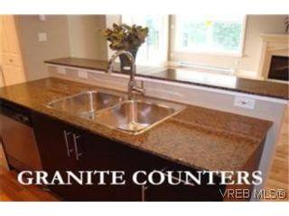 Photo 4: 207 2717 Peatt Rd in VICTORIA: La Langford Proper Condo for sale (Langford)  : MLS®# 495348