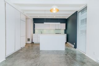 """Photo 10: 304 219 E GEORGIA Street in Vancouver: Strathcona Condo for sale in """"The Flats"""" (Vancouver East)  : MLS®# R2562533"""